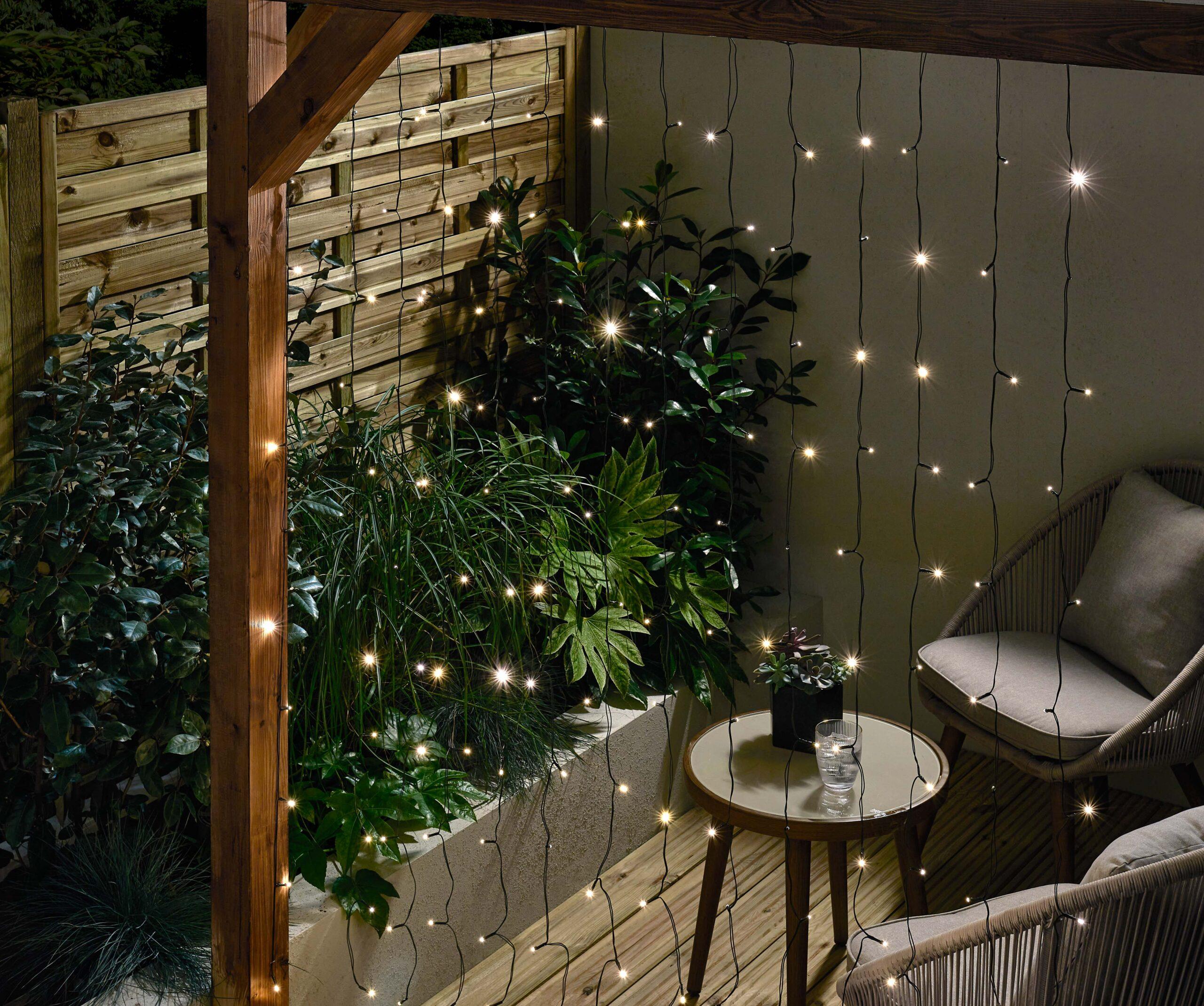 58375 _Solar_curtain_string_lights_192pk_white